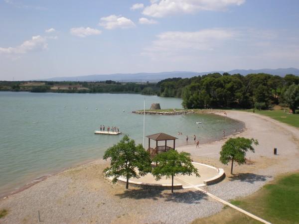 In de omgeving: Lac de Jouarres, Homps